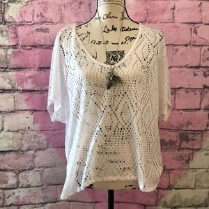 Tops - NWOT Mossimo Top White  XL